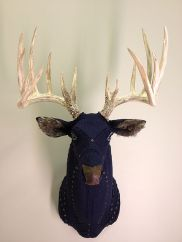 taxidermied-whitetaildeer.fakeantlers